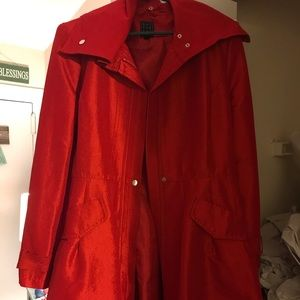 Red lightweight jacket - L